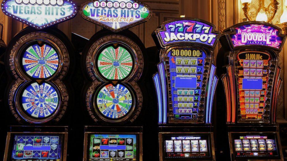 Hauskoja faktoja loton pelaamisesta